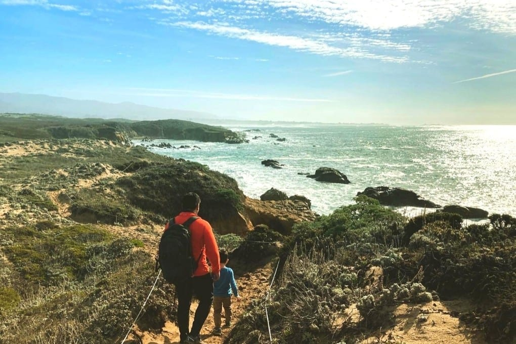 Sunny Año Nuevo hike overlooking the Pacific Ocean