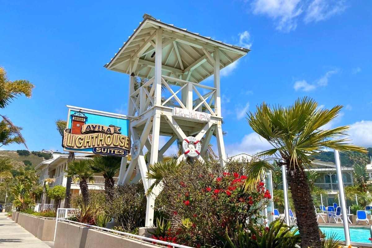 Avila Lighthouse Suites has a perfect location on the beach.