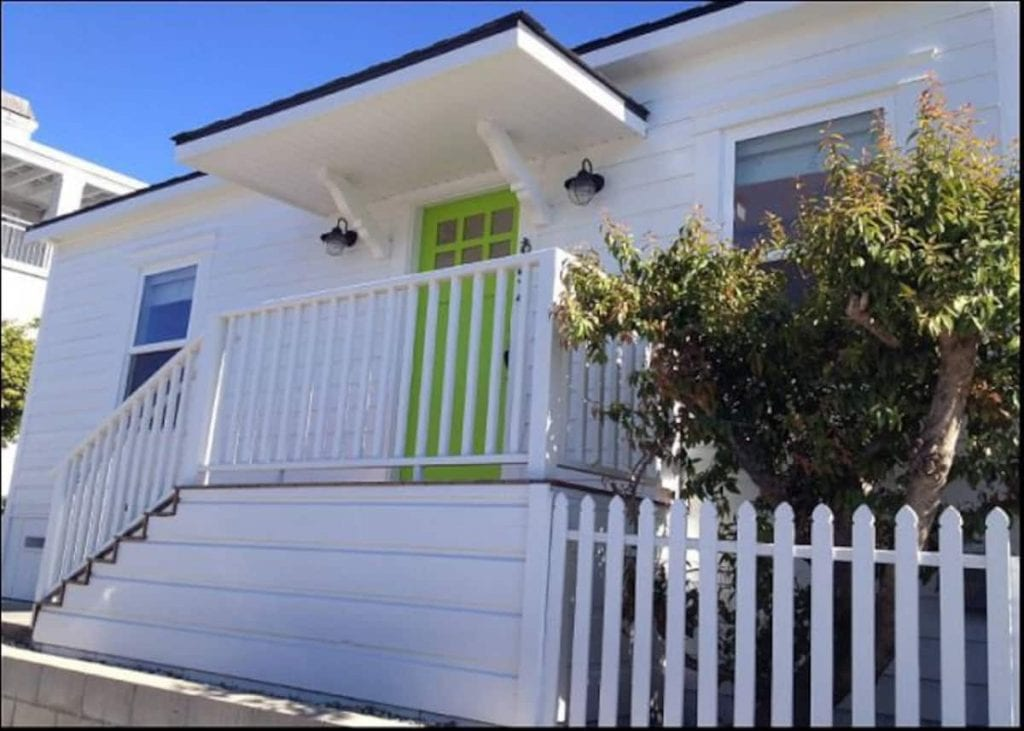 Facade of the Cottage By the Sea bungalow in Avila Beach